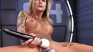 Stunning blonde gets orgasm on fucking machine - 5:00