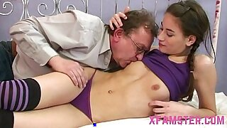 Amateur Teens Huge Dildo Pussy Pounded - 21:52